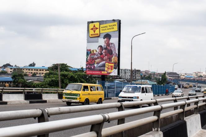 Une publicité pour Maggi, à Lagos, au Nigeria, en novembre 2018.