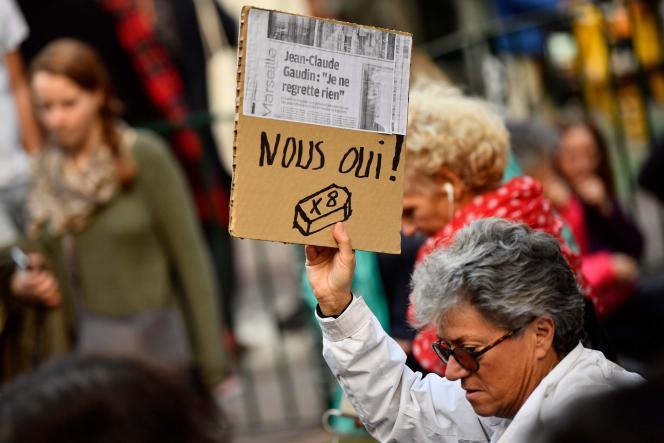 Lors de la marche blanche en mémoire des huit victimes, à Marseille, samedi 10 novembre.