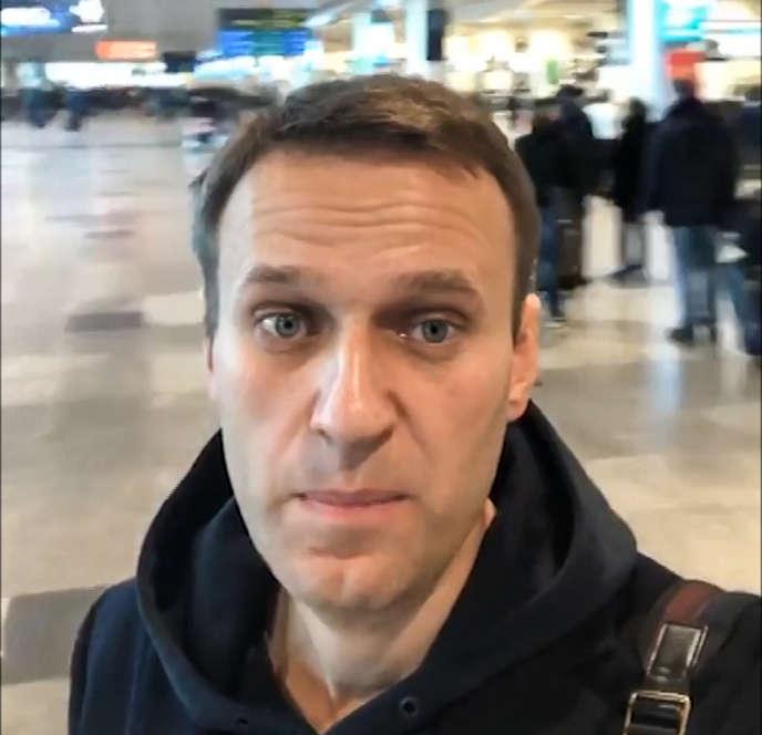 Alexeï Navalny à l'aéroport Domodedovo, à Moscou, le 13 novembre.