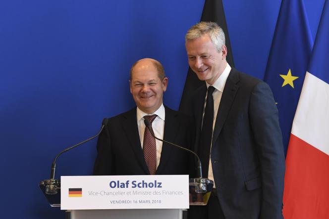 Le ministre allemand des finances, Olaf Scholz (à gauche), et son homologue français, Bruno Le Maire, à Paris, le 18 mars.