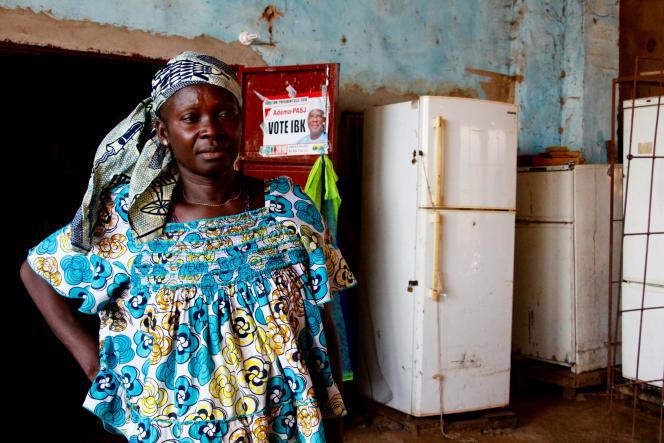 Goundo Dembélé, commerçante à Mahina, dans l'ouest du Mali: Ses deux fils, partis tenter «l'aventure» sont coincés en Libye, faute d'argent pour revenir ou pour traverser la Méditerranée.