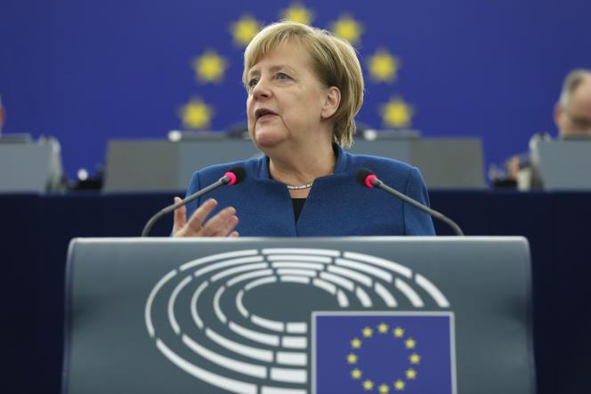 La chancelière allemande, Angela Merkel, devant le Parlement européen de Strasbourg, le 13 novembre.