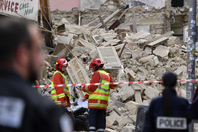 Opération de secours, le 5 novembre, à Marseille, après l'effondrement de deux immeubles qui a coûté la vie à huit perseonnes.