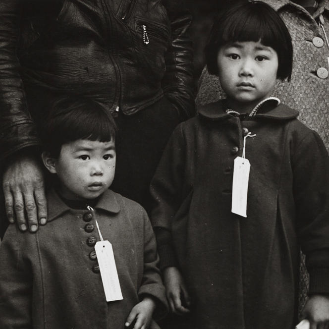 «Japanese Children with Tags»,1942.