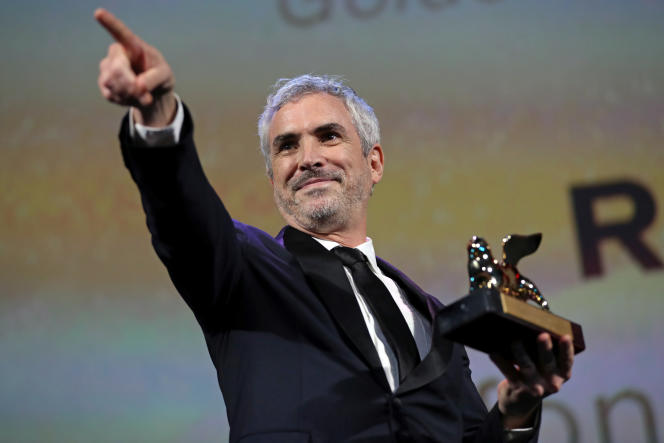 Lors du 75e Festival international du film de Venise, le 8 septembre, le réalisateur Alfonso Cuaron reçoit le Lion d'or pour son film «Roma», produit par Netflix.