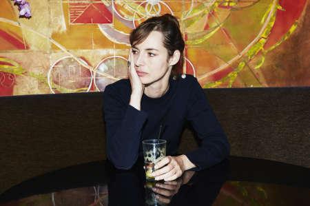 L'actrice Louise Bourgoin au Folie's Café (Paris 9e),le 5 octobre.