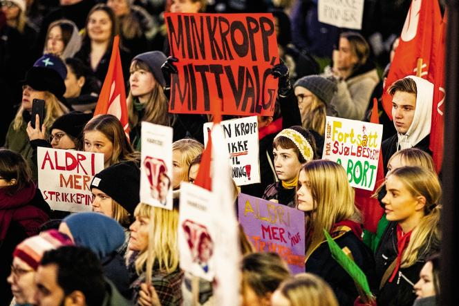 A Oslo, le 10 octobre, les Norvégiens ont défilé pour protester contre toute modification de la loi sur l'IVG.