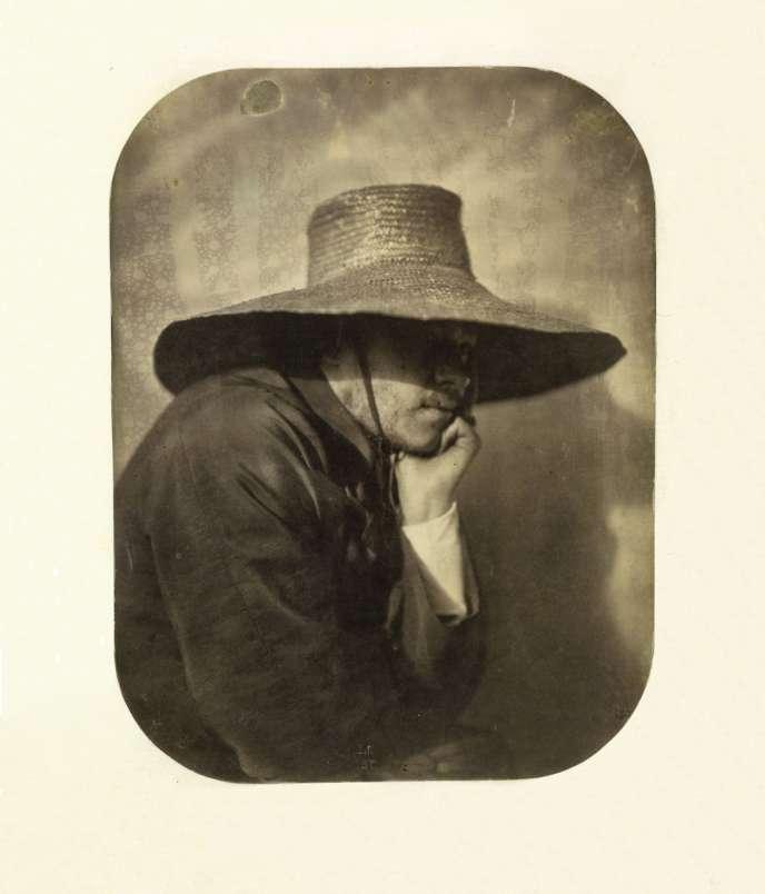 «Autoportrait au chapeau de paille», Adrien Tournachon, vers 1854.