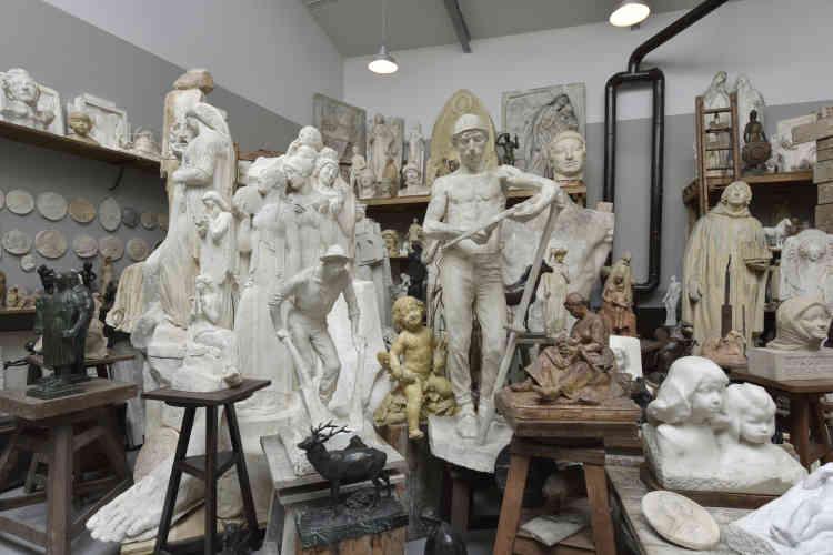 Le musée prévoyait de consacrer une séquence importante aux questions de l'atelier et des techniques. Il est désormais détenteur d'un ensemble de l'artiste Henri Bouchard (né le 13 décembre 1875 à Dijon et mort le 30 novembre 1960 à Paris).