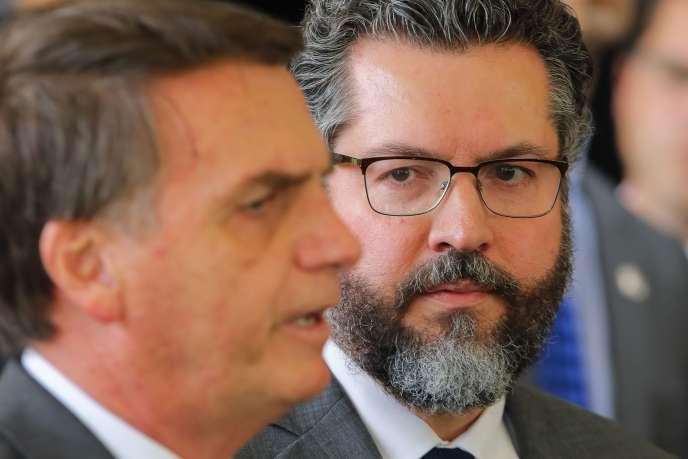 Le nouveau président brésilien Jair Bolsonaro et son ministre des affaires étrangères Ernesto Araujo, en novembre 2018.