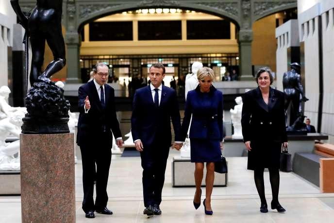 Emmanuel Macron et Brigitte Macron au Musée d'Orsay, à Paris, le 10 novembre, pour le dîner d'Etat et la visite de l'exposition Picasso à l'occasion du centenaire de l'armistice du 11 novembre 1918.
