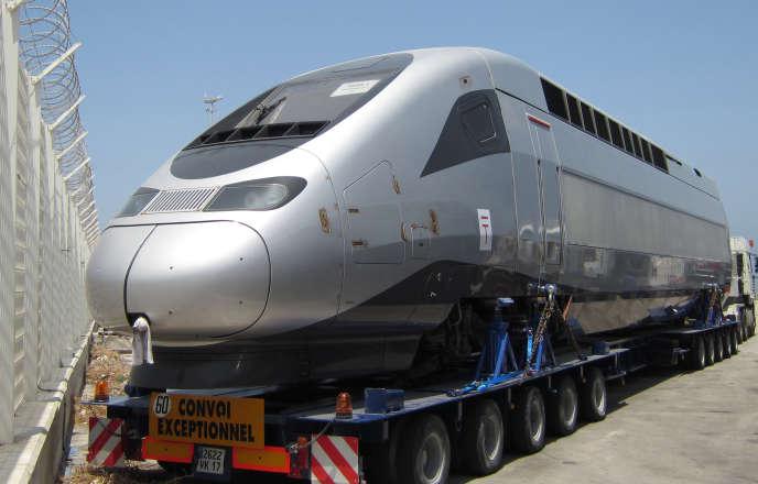Un TGV Alstom, à son arrivée au port de Tanger, en juin 2015.