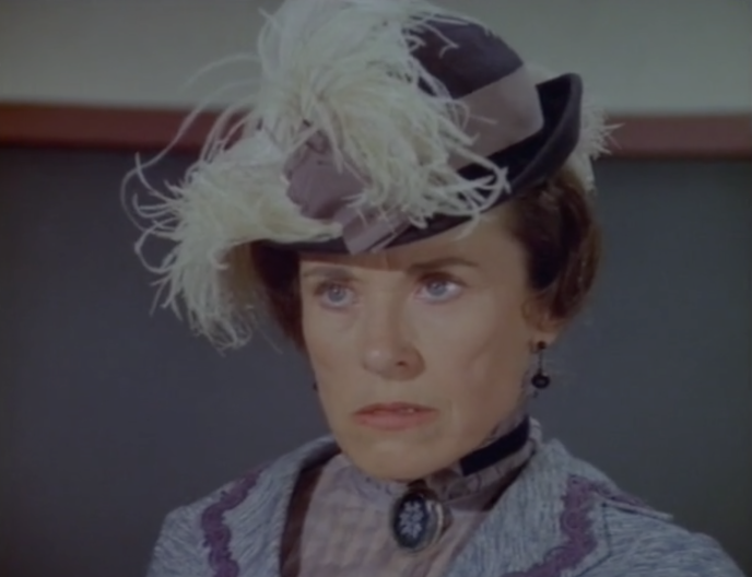 Katherine MacGregor jouait l'épicière acariâtre Harriet Oleson.