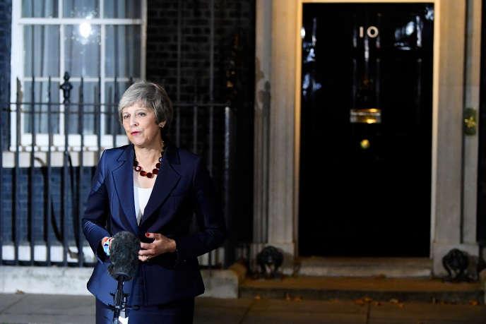 Theresa May, au 10 Downing Street, à Londres, mercredi 14 novembre.
