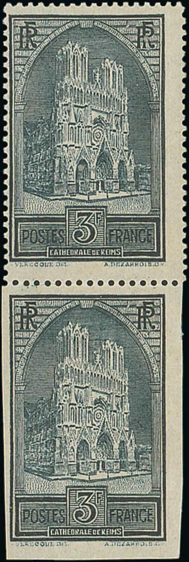 Estimation de 25000/50000 euros pour cette paire neuve, timbre dentelé tenant à non dentelé.