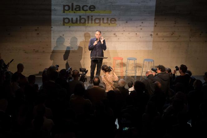 L'essayiste Raphaël Glucksmann lors du premier meeting de son mouvement Place publique à Montreuil, le 15 novembre.