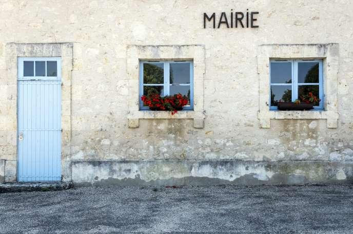Façade de la mairie de Gaudonville (Gers), le 10 septembre.