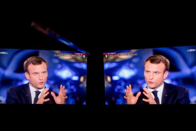 Le chef de l'Etat, lors de son interview sur TF1 à bord du « Charles-de-Gaulle ». Aurélien Morissard/IP3