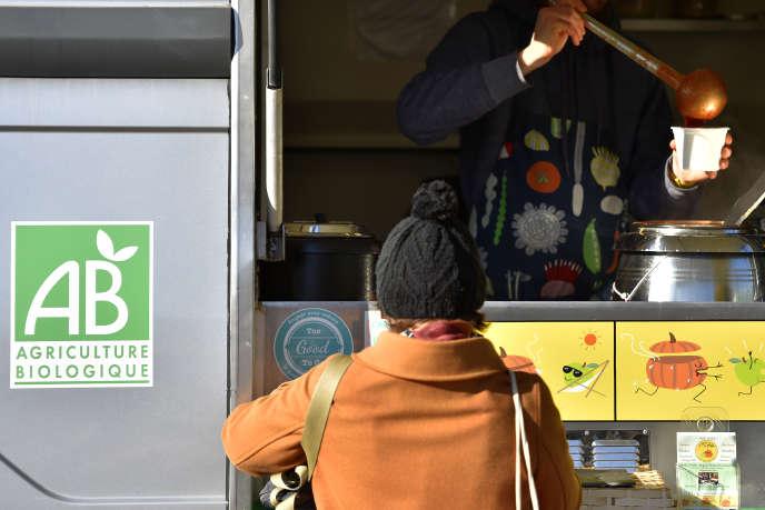 Un «food-truck» bio, à Nantes (Loire-Atlantique), en novembre 2017.