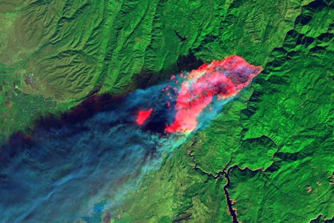 Image du satellite Landsat 8 des feux en Californie, le 8 novembre.