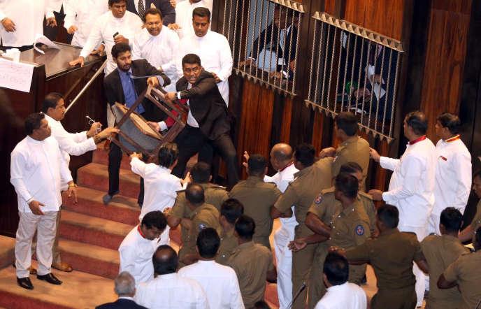 Au Parlement sri-lankais, le 16 novembre.