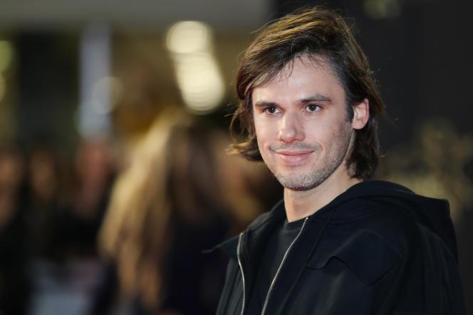 Orelsan à son arrivée aux NRJ Music Awards, au Palais des Festivals de Cannes, le 10 novembre.