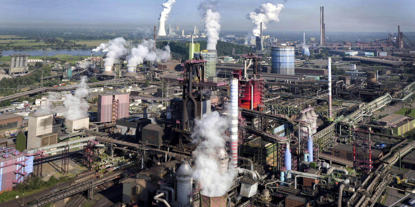 FILED - 21 September 2017, Germany, Duisburg:'Steam raises from the furnaces on the premises of the ThyssenKrupp steel works. Photo by: Arnulf Stoffel/picture-alliance/dpa/AP Images