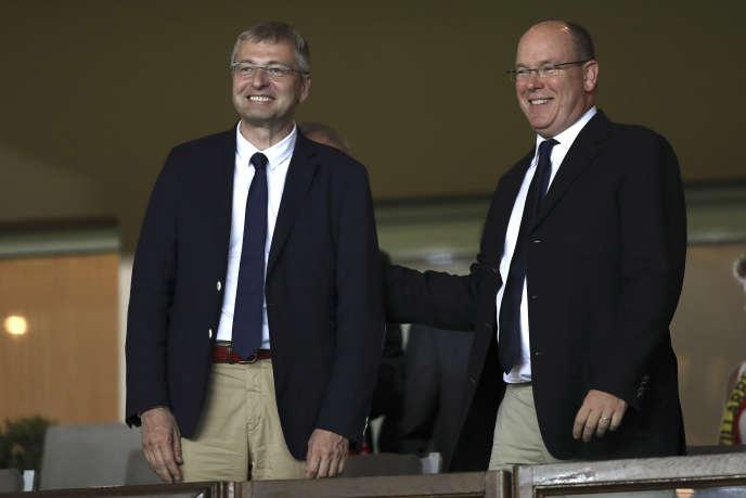 Dmitri Rybolovlev et le prince Albert II de Monaco, le 23 août 2016 dans la principauté.