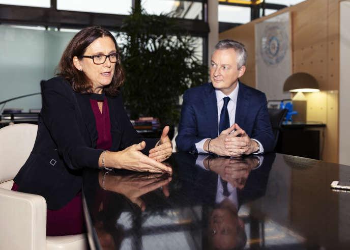 La commissaire européenne au commerce, Cecilia Malmström, et le ministre français de l'économie, Bruno Le Maire, à Paris, le 16 novembre.