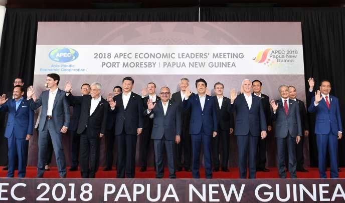 Les vingt et un dirigeantsde l'Asie-Pacifique présents au sommet de l'APEC à Port Moresby, en Papouasie-Nouvelle Guinée, le 18 novembre 2018, dont le président chinois, Xi Jinping, et le vice-président américain, Mike Pence.