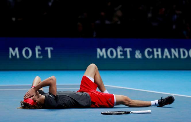 Alexander Zverev à l'issue du match contre Novak Djokovic, le 18 novembre 2018.