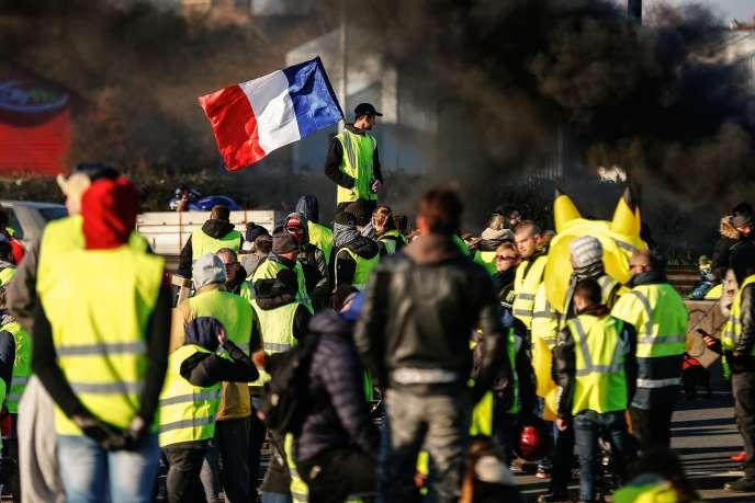 Un blocage de route à Caen, dimanche 18 novembre.