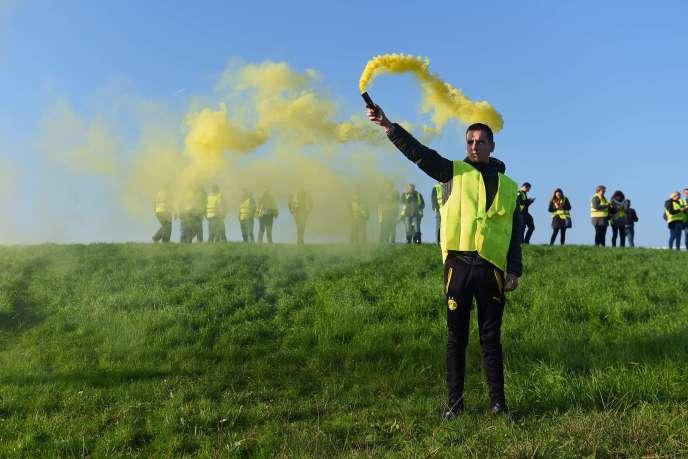 Manifestation des gilets jaunes près de Bordeaux, samedi 17 novembre 2018.