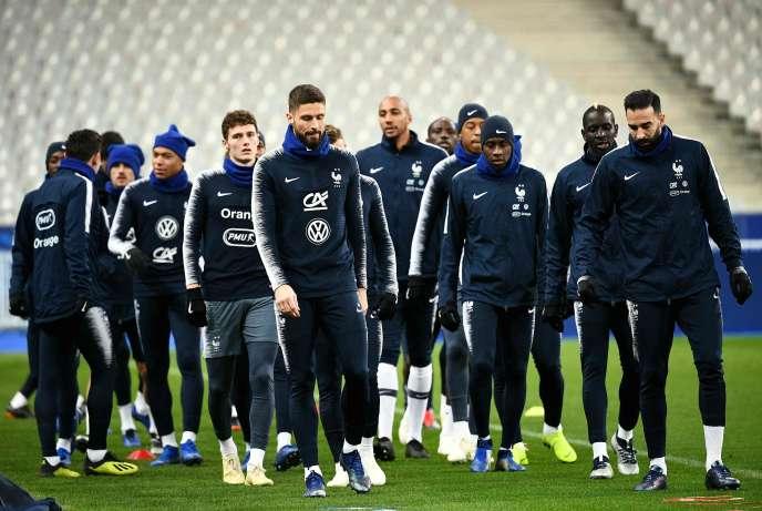Le match contre l'Uruguay est un match amical. Donc, théoriquement, sans enjeu. Mais, après la défaite contre les Pays-Bas et l'éviction de la Ligue des nations, il revêt un caractère beaucoup plus «stratégique» pour l'équipe de France.