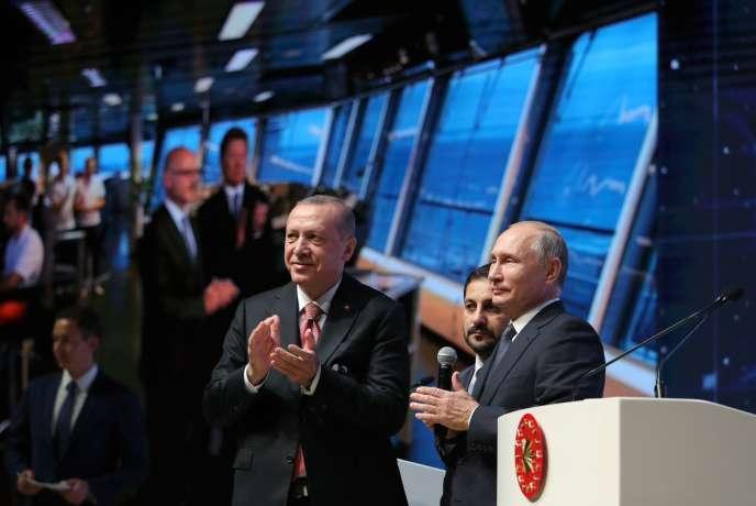 Recep Tayyip Erdogan et Vladimir Poutine lors de l'inauguration d'un tronçon du gazoduc TurkStream, le 19 novembre, à Istanbul.