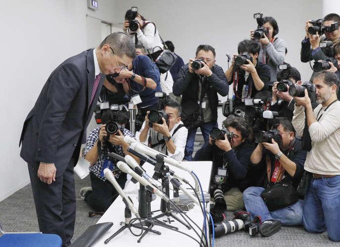 Le patron de Nissan, Hiroto Saikawa, à l'issue d'une conférence de presse à Yokohama, près de Tokyo, le 19 novembre.