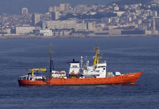 L'«Aquarius», prêt à débarquer à Marseille, le 1er août.