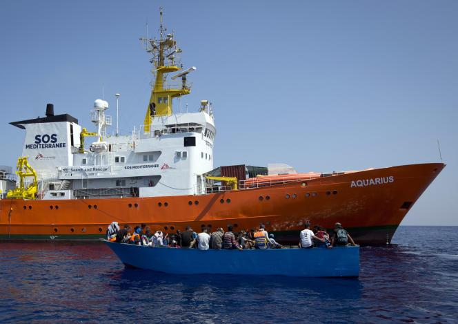 Des migrants pris en charge par l'« Aquarius», le 29 août.