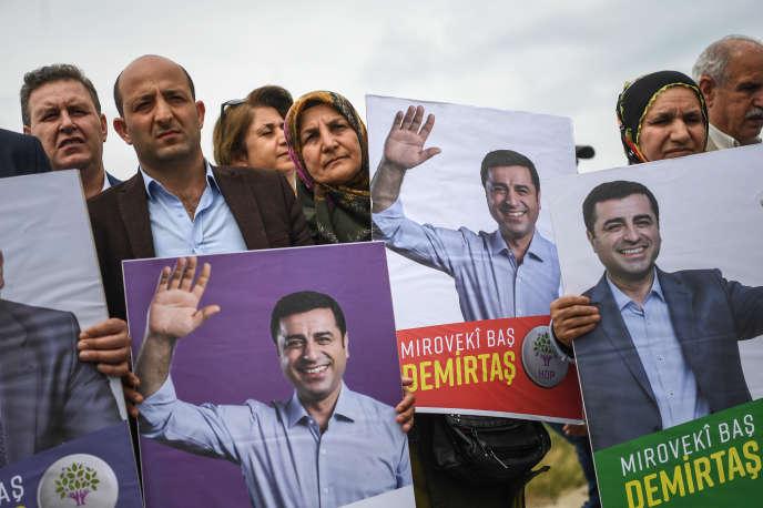 Manifestation de soutien au leader kurde emprisonné, Selahattin Demirtas, à Edirne, le 25 mai 2018.