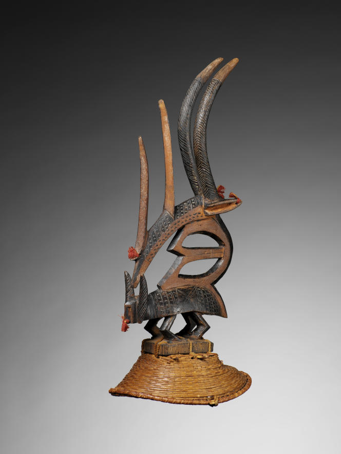 Masque zoomorphe Ciwara utilisé lors des cérémonies pour l'agriculture (danse pour provoquer la pluie), en provenance de Bougouni, dans la région de Sikasso (Mali), non daté.
