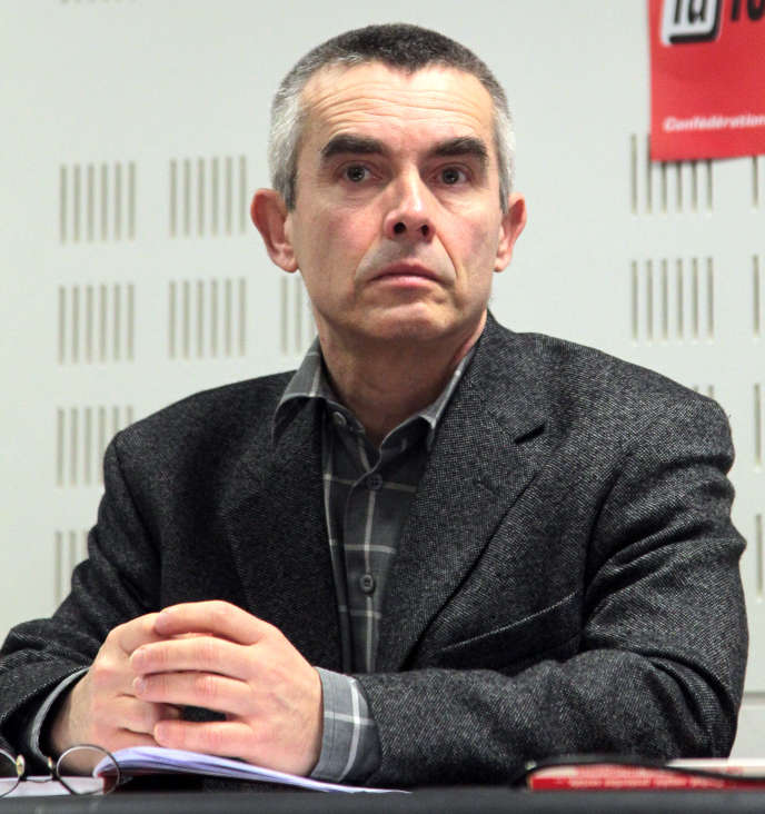 Yves Veyrier, nouveau secrétaire général de Force ouvrière, le 18 janvier 2010 à Paris, lors d'une conférence de presse du syndicat.