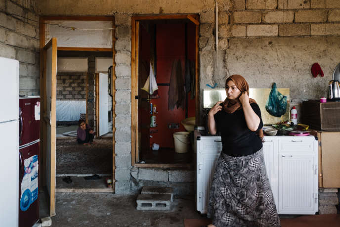 Faïza Hajji, yézidie de 35 ans, ancienne otage de l'EI, en novembre à Baadre (Kurdistan irakien).