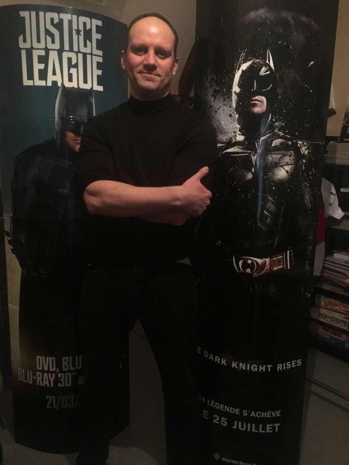 Arnaud Firmin.Dans son dernier court-métrage, «Batman vs Predator», mis en ligne sur sa chaîne YouTube début novembre, il interprète trois rôles à lui seul.