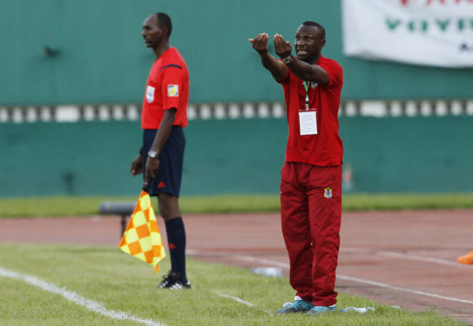 Florent Ibenge, le sélectionneur de l'équipe de République démocratique du Congo (RDC), lors d'un match contre la Côte d'Ivoire, à Abidjan, en octobre 2014.