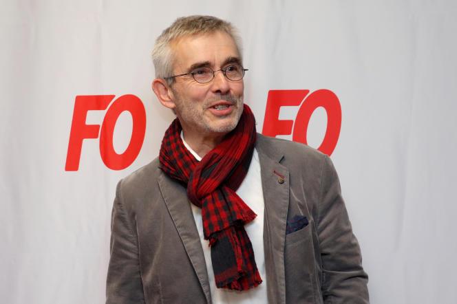 Yves Veyrier, nouveau secrétaire général de Force ouvrière, lors d'une conférence de presse, au siège du syndicat, à Paris, le 22 novembre.