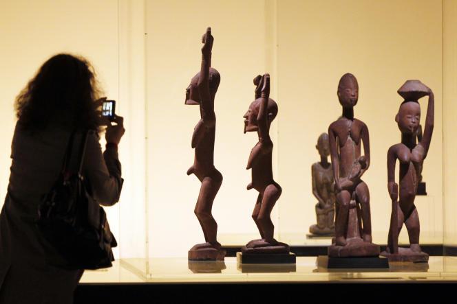 Au Musée du quai Branly-Jacques Chirac, à Paris, lors de l'expostion«Dogon», en avril 2011.
