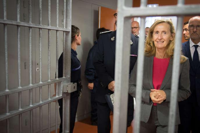 La ministre de la justice,Nicole Belloubet, lors de sa visite à la maison d'arrêt d'Aix-Luynes (Bouches-du-Rhône), le 8 octobre.