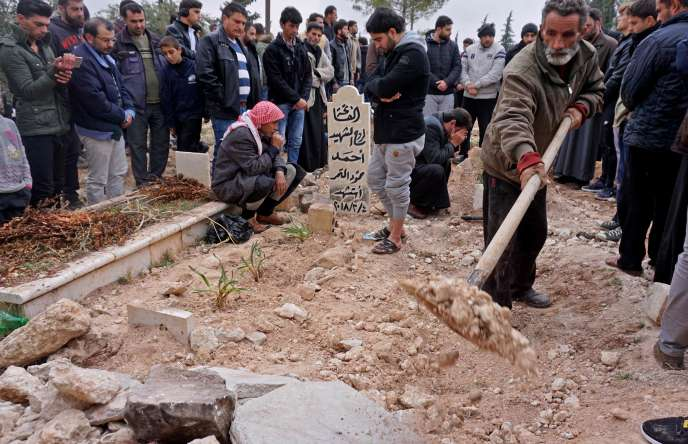 Les obsèques de Raed Fares et Hammoud Al-Jneid, le 23 novembre àKafranbel.