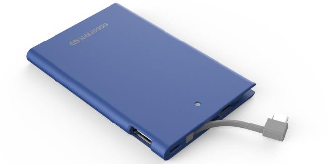 La batterie EssentielB 2500 Journée est disponible dans quatre coloris : blanc, rose, bleu et noir.