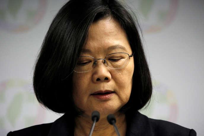 La présidente de Taïwan, Tsai Ing-wen, après la défaite de son parti aux élections locales, le 24 novembre.